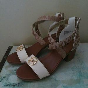 Michael kors girls size 1 sandal block heel